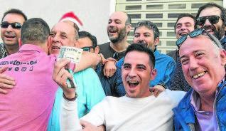 Las historias detrás de los premiados en la Lotería de Navidad